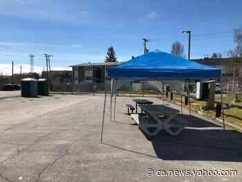 Picnic tables in a parking lot: N.W.T. gov'ts response to Yellowknife's shuttered day shelter - Yahoo News Canada