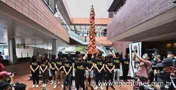 Estudantes de Hong Kong comemoram aniversário do massacre de Tiananmen no Pilar da Vergonha - Epoch Times Brasil