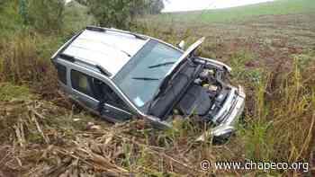 Motorista fica ferido após capotar seu veículo na BR 282 em Pinhalzinho - Chapeco.Org