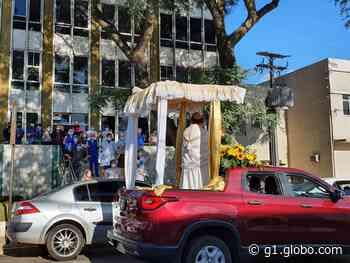 Sem procissão, carreata celebra Corpus Christi em Guarapuava - G1