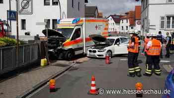 Vier Verletzte nach Unfall mit Rettungswagen in Mörfelden-Walldorf - hessenschau.de