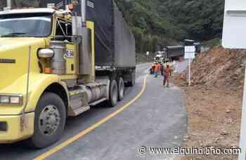 Bloqueos entre Calarcá y Cajamarca impiden solución a derrumbes en la vía a La Línea - El Quindiano S.A.S.