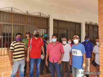 Trabajadores de Pdvsa Industrial reclaman por bajos salarios en Cabimas - El Pitazo