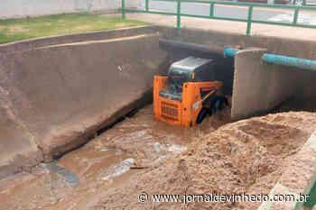 Prefeitura de Vinhedo realiza limpeza de 7 km no Córrego Pinheirinho - Jornal de Vinhedo