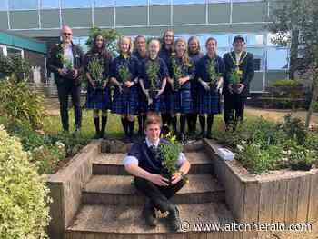 Farnham Heath End students work to revive outdoor area - Alton Herald