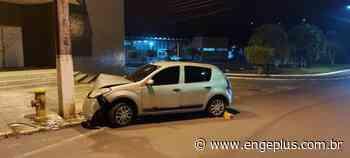 Motorista fica gravemente ferida após colidir veículo contra poste em Orleans - Engeplus