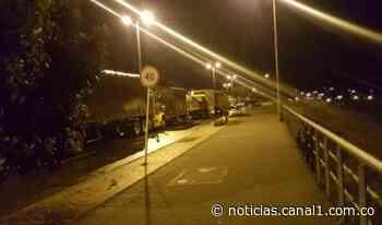 Permanece bloqueada la vía Bogotá – Villavicencio en el kilómetro 85 - Canal 1