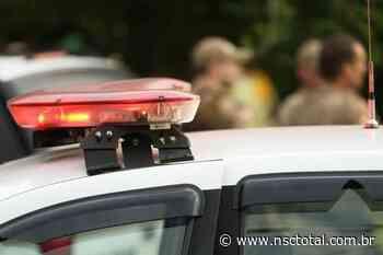 Bandidos assaltam caminhão carregado com armas e munições no Oeste de SC | NSC Total - NSC Total