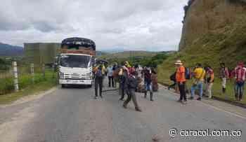 Campesinos bloquean vía hacia Ocaña por falta de médicos en Hacarí - Caracol Radio