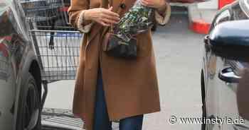 Jessica Alba setzt jetzt auf diesen wilden Schuh-Trend für den Frühling 2021 - InStyle