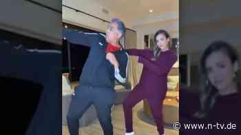 Jessica Alba swingt mit Papa Krebs und Corona davon - n-tv NACHRICHTEN