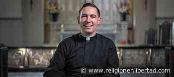 Fue a la capilla porque daban comida gratis, una Adoración le dejó «boquiabierto» y ya es sacerdote - Religión en libertad