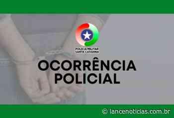 Mulher é abordada pela polícia com cocaína, em Xaxim - Lato