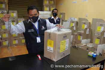 Despliegan todo el material electoral en la ODPE San Antonio de Putina - Pachamama radio 850 AM