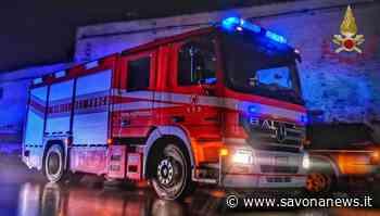 Andora, bus da turismo rimane bloccato in una rotonda: intervento dei vigili del fuoco - SavonaNews.it