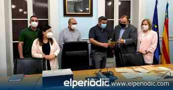 La familia Jiménez de Cisneros entrega al Ayuntamiento de Crevillent documentos y material del valioso legado científico del paleontólogo - elperiodic.com