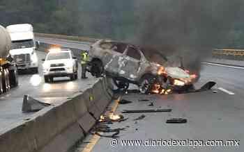 Sufrieron quemaduras tras chocar e incendiarse auto en la autopista a Perote - Diario de Xalapa
