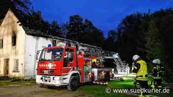 Mühlingen/Stockach: Zweiter Feuerwehr-Einsatz in Schwackenreute wegen Rauch in der Brandruine - SÜDKURIER Online