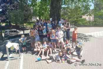 Vijfde leerjaar De Kleurenboom leest honderd boeken uit - Het Belang van Limburg
