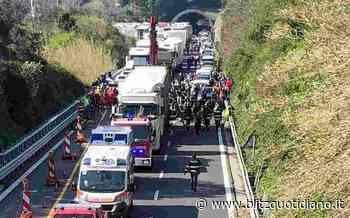Incidente in A4 tra Portogruaro e San Stino di Livenza: furgone contro tir, traffico e code - Blitz quotidiano