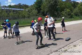 Kinderen leren spelenderwijs skaten (Meerhout) - Het Nieuwsblad