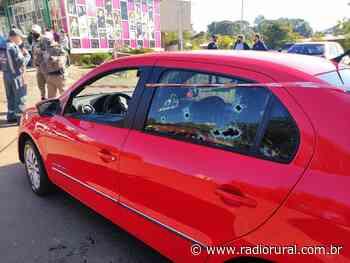 Morre homem baleado em carro estacionado no centro de Erechim - Rádio Rural