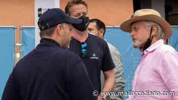 Michael Douglas y Catherine Zeta-Jones visitan la feria náutica de Palma - mallorcadiario.com