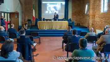 Confronto sul vino, il sottosegretario Centinaio incontra i sindaci a Casteggio - La Provincia Pavese