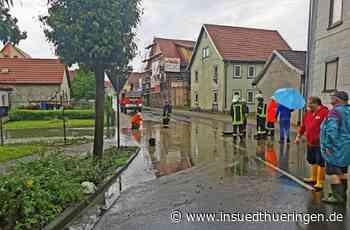 Kaltensundheim/Frankenheim - Kreuzung und Baustelle unter Wasser - inSüdthüringen
