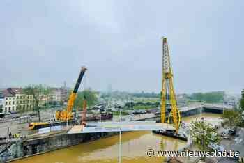 Twee nieuwe voetgangersbruggen krijgen binnenkort kleurrijk likje verf