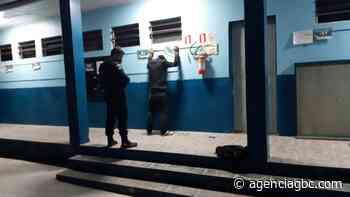 Com pé de cabra, criminoso arromba escola em Cachoeirinha - Agência GBC