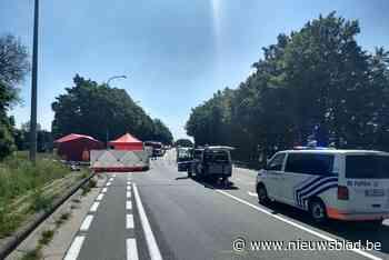 Twee fietsers overleden na botsing met auto, derde fietser kan aanrijding ontwijken