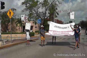 Habitantes de residencial Izamal se manifiestan en contra de la Profeco - Canal 10