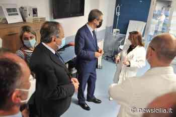 """Nello Musumeci in visita all'ospedale di Caltagirone: """"Nonostante la carenza di personale forniscono ogni servizio"""" - NewSicilia"""