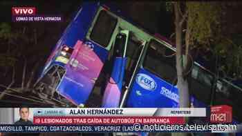Con grúas sacan de barranco autobús en Cuajimalpa - Noticieros Televisa
