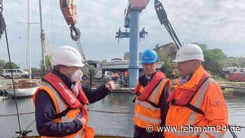 Bodenschichten schwierig: Wirtschaftsminister Buchholz besucht Hubinsel im Fehmarnsund - fehmarn24