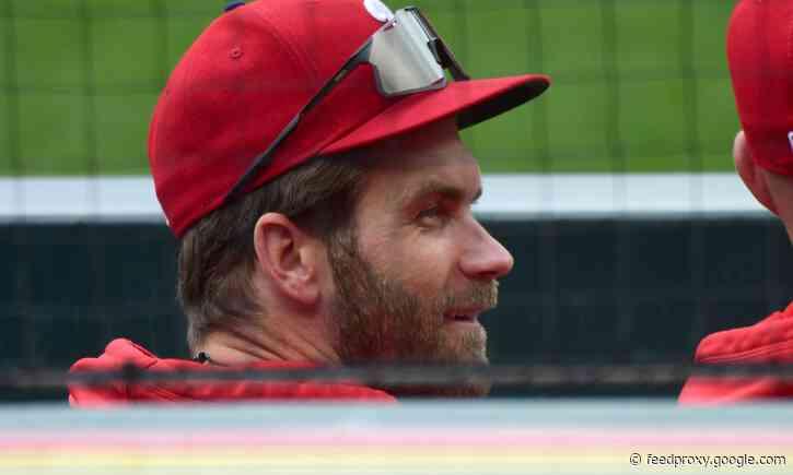 Bryce Harper returns to Phillies lineup