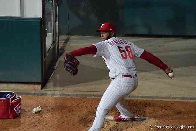 Phillies not ruling out the possibility of Seranthony Domínguez pitching in 2021