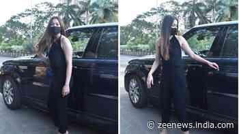Mahendra Singh Dhoni's rumoured former girlfriend Raai Laxmi spotted in black backless jumpsuit - In Pics - Zee News