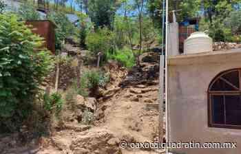 Reportan desgajamiento de cerro cerca de viviendas en Monte Albán - Quadratín Oaxaca