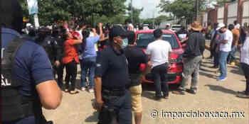 Conflicto en Tuxtepec por presunto intento de compra de votos; abren maleta con billetes - El Imparcial de Oaxaca