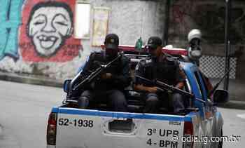 Policiamento é reforçado no Leme após encontro de três corpos no Chapéu Mangueira - Jornal O Dia