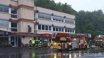 Gebäudebrand in Idar-Oberstein: Wehrleute hatten Feuer in der Vollmersbachstraße schnell gelöscht - Rhein-Zeitung
