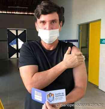 Ex. Prefeito de Penedo e Secretário de Estado Marcius Beltrão é vacinado contra a COVID-19 - Geraldo Jose