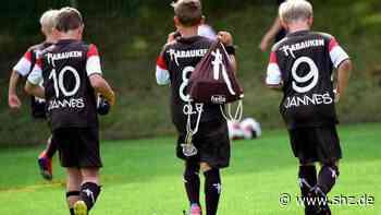Osterby: Die Fußballschule des FC St. Pauli zeigt den Nachwuchskickern, wie echte Profis trainieren | shz.de - shz.de