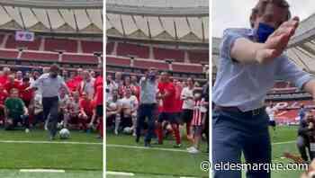 """Almeida lo vuelve a hacer y pega un pelotazo a un fotógrafo en el Metropolitano: """"Te dije que te borraras de Podemos"""" - ElDesmarque"""