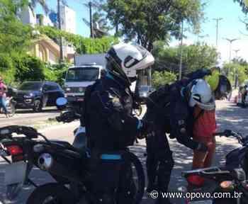 Fiscalização apreende veículos e notifica estabelecimentos no bairro Sapiranga - O POVO