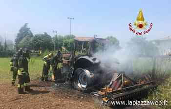 Thiene, si accorge del fumo nella cabina del trattore che s'incendia: fa appena in tempo a salvarsi - La PiazzaWeb - La Piazza
