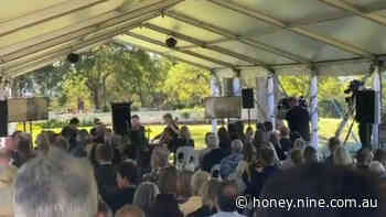 Russell Crowe farewells father in Coffs Harbour memorial service two months after his death - 9Honey
