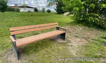 Neue Sitzgelegenheiten in Schierling - Mittelbayerische